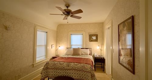 Rear queen bedroom