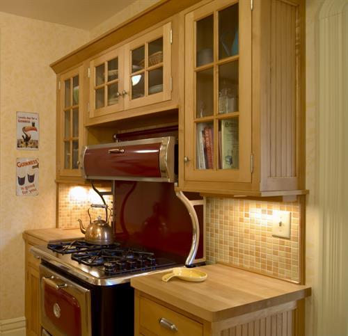 Retro gas range in kitchen