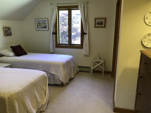 2 Twin Beds 2nd level