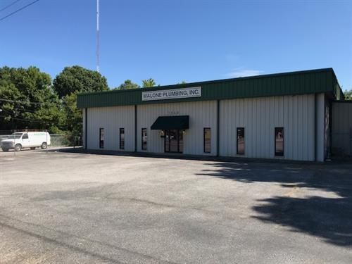 For Lease 5200 +/- sf, $3600 per month plus utilities, fenced and paved yard