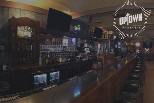 Uptown Tap & Eatery full bar