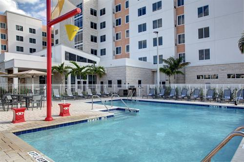 Residence Inn Coconut Creek - Large Outdoor Pool