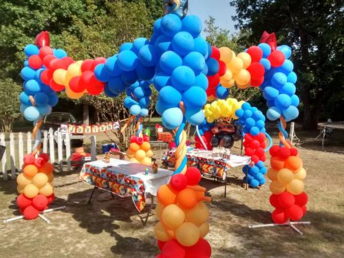 Yes we do yard...here is an outdoor open Balloon Pavilion for a Kids Party here in Camden