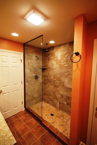 A southwestern spa bathroom