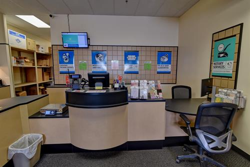 Gallery Image The.UPS.Store-2295_6_7.jpg