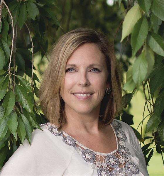 Julie Bays, REALTOR