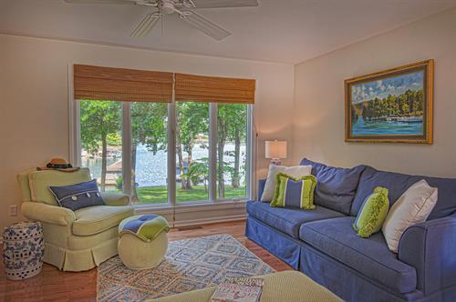 Waterfront Townhouse - Living Area