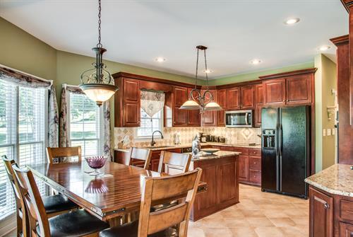 Lakefront Home - Kitchen
