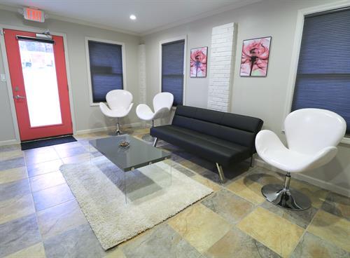 Waiting room/living room