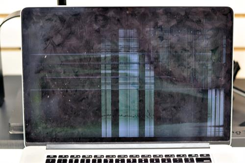 MacBook screen repair - Before