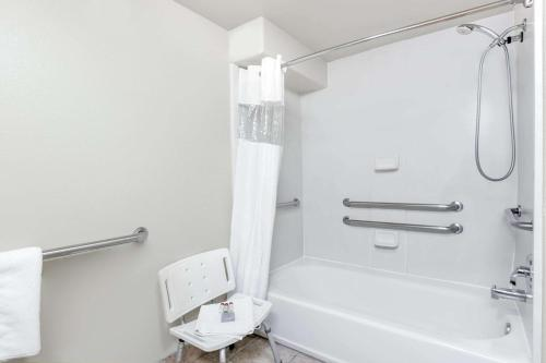One Bedroom Suite - Accessable Bathroom with Shower/Tub and Sink