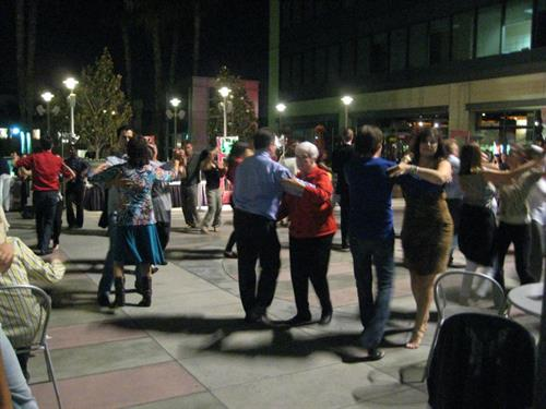 Sherman Oaks Galleria- Dancing Under the Stars