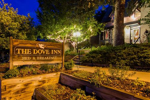 The Dove Inn - Golden