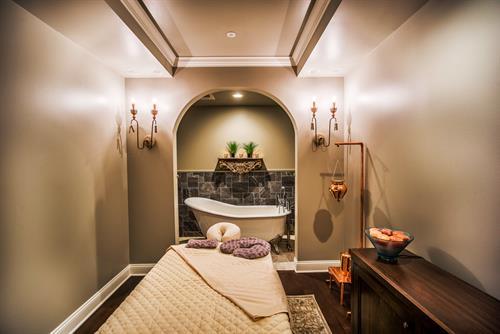 Tub and Massage Room