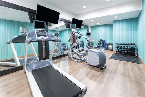 Gallery Image SSDOR-holiday-inn-express-seaside-fitness-center-1.jpg