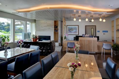 River Inn at Seaside lobby
