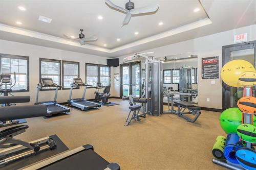24-HR state-of-the-art fitness center