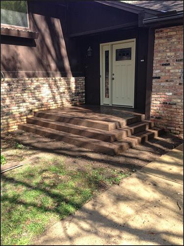 Composite (TREX) entryway deck.