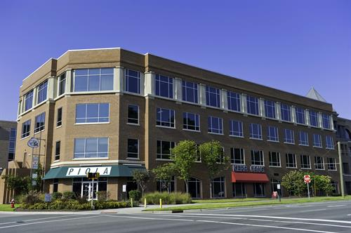 Regus is conveniently located inside East 54 - near excellent retail, fitness and restaurants!