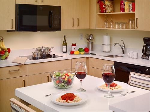 Gallery Image 57050_60938456_sonesta_1or2orS-kitchen-ES-Suites(1).jpg