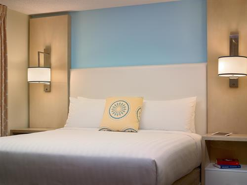 Gallery Image 57050_60938464_sonesta_1or2-bed-ES-Suites.jpg