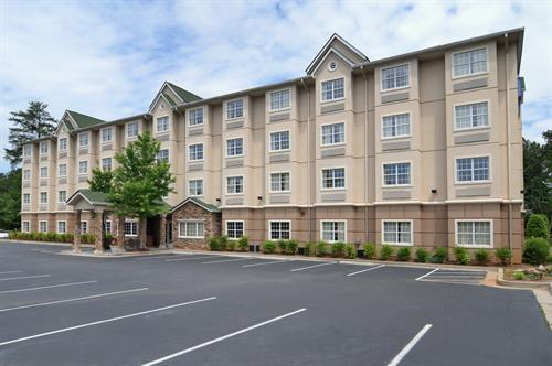 Gallery Image Microtel_Inn_and_Suites_-_Altanta_(Perimeter_Center)_001-exterior_front.jpg