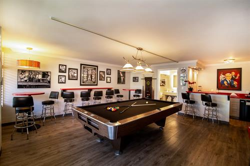 Hollywood Suite Pool Table