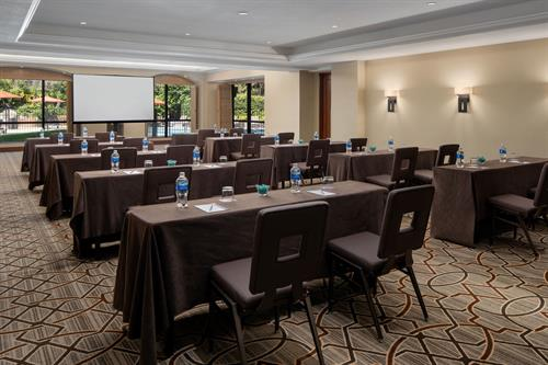 business meetings with a view in our Vista Ballroom