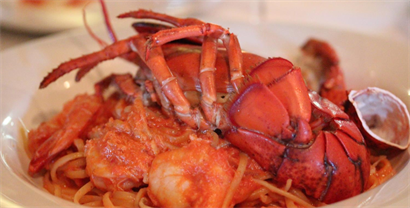 Lobster con Linguine