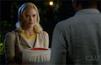 We recently spotted one of our cakes on an episode of The CW show, Hart of Dixie! We're big fans of the show and we're glad to see them enjoying our cake!
