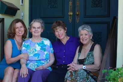 Kelila, her mom Bobbie, Tami, her mom Dodie
