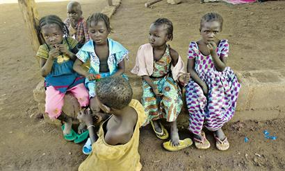 Children in Nigeria waiting for aid