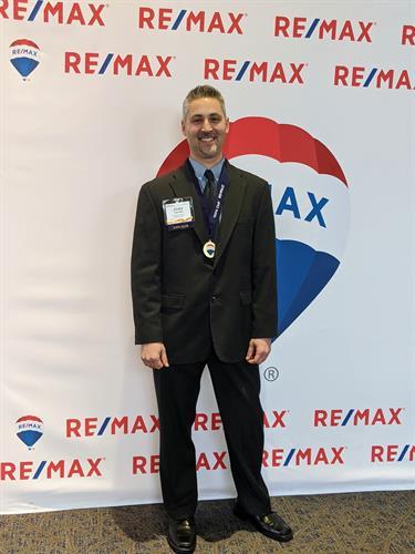 RE/MAX 100% Club Award