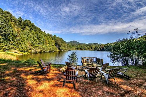 Many of our cabin rentals are located on water, including Lake Buckhorn