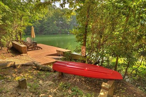 Many of our water front cabins come with canoes and kayaks at NO extra charge