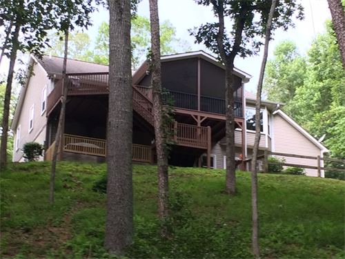 A Winding Creek Vacation Rental