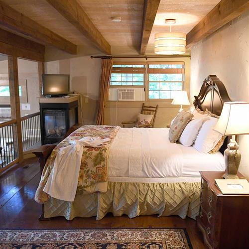 Gallery Image celestial-suite-room(1).jpg