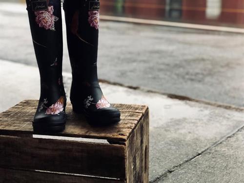 L&Q:  Rain boots by Joules