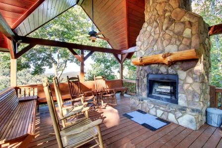 Gallery Image Outdoor_Fireplace.jpg
