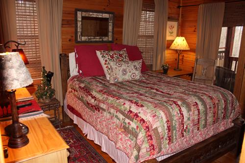 Get a good night's sleep in the comfy Queen sized bed
