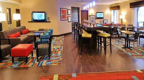 Gallery Image Hampton_Inn_Loveland_CO-Loveland-Hall-5-66779.jpg