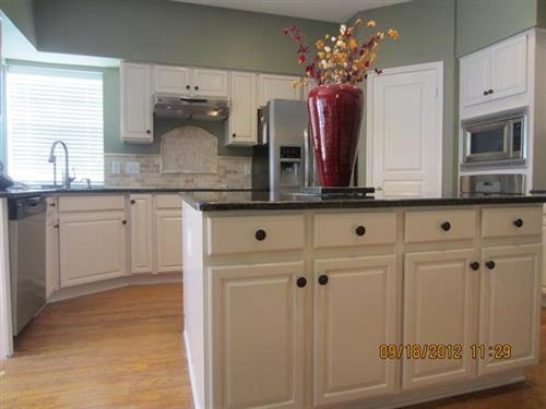 Interior - Kitchen Cabinets
