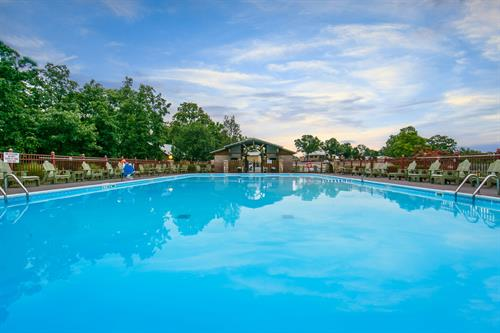 With 4 outdoor seasonal pools, there's plenty to do during the warmer months
