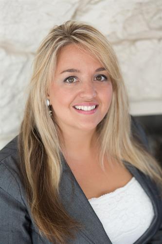 Lucinda Hage, Principal Broker