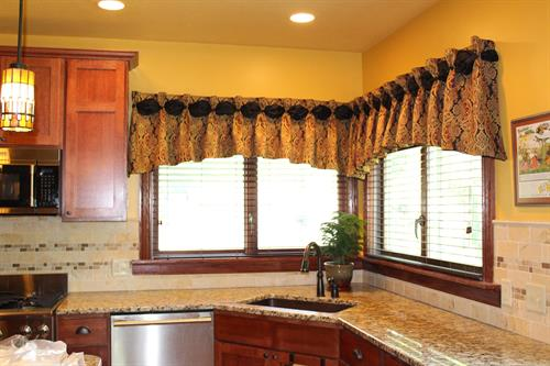 Custom Dana style valance for a corner kitchen window