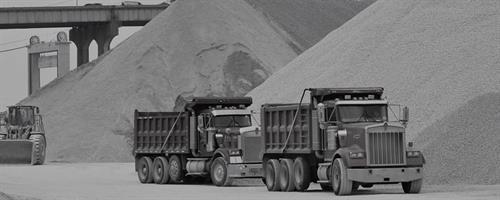 Gallery Image trucking-innovation-trucks-service.jpg