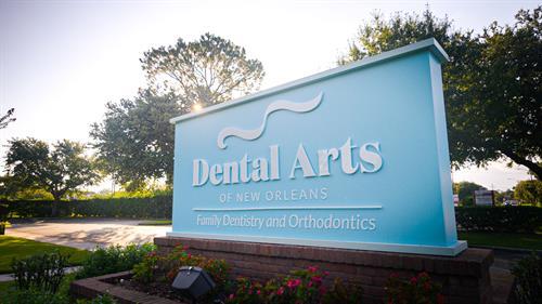 Gallery Image Dental_Arts_of_New_Orleans_sign.jpg