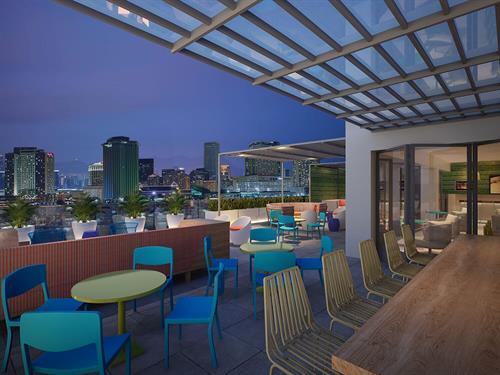Gallery Image Canal_Rendering_Penthouse_Bar.jpg