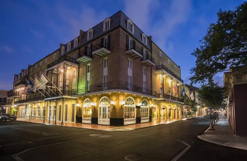 Holiday Inn Chateau LeMoyne French Quarter Exterior
