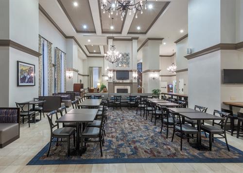 Gallery Image HWS_New_Orleans-03-Lobby.jpg